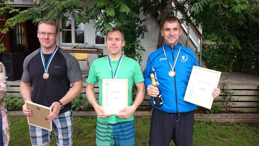 Fotol vasakult: Sergei Nikolajev, Rain Raidna, Dmitri Svõrjov