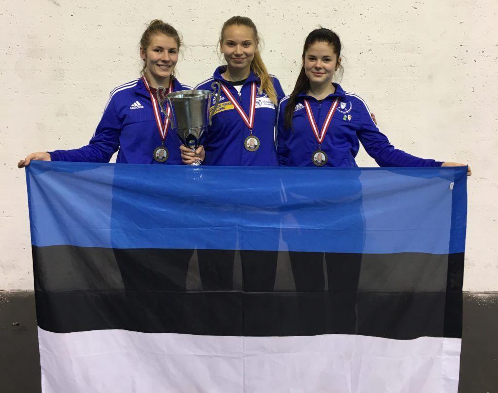 Eesti naiskadettide koondis: Carmen-Lii Targamaa, Karoliine Loit, Sandra Skoblov. Foto: Meelis Loit