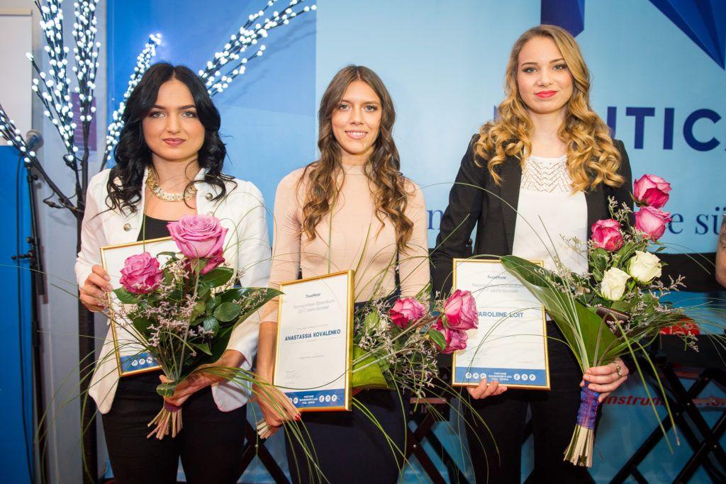 Vasakult: Liina Laasma, Anastassia Kovalenko, Karoliine Loit. Foto: Jake Farra/Tradehouse Ilukaubamaja